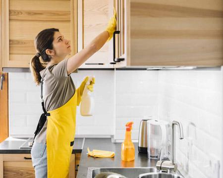 روش های پاک کردن چربی کابینت ,چگونه لکه چربی کابینت را تمیز کنیم