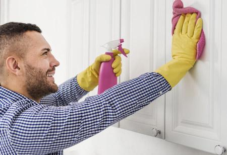 روش های پاک کردن چربی کابینت ,پاک کردن لکه های چربی از کابینت ها ,تمیز کردن چربی کابینت آشپزخانه