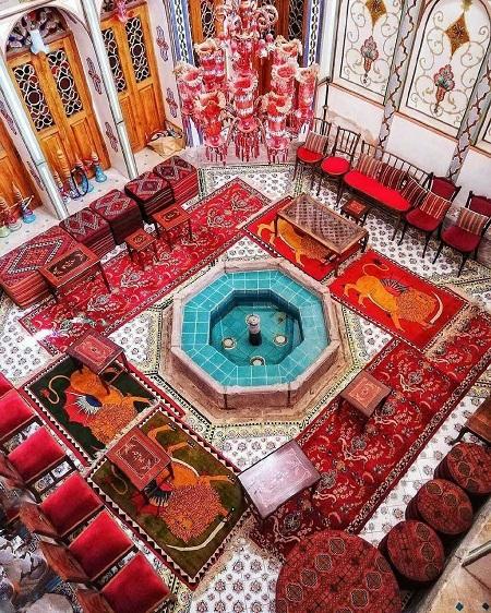 خانه معتمدی, تاریخچه خانه ملاباشی, زیباترین خانه در اصفهان